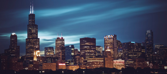 Photo sur Plexiglas Chicago Famous panoramic view of Chicago skyline by night