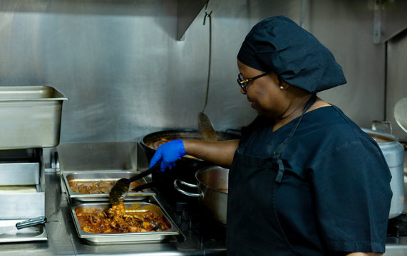 coronavirus.hospital cook cooking for hospitalized patients sick