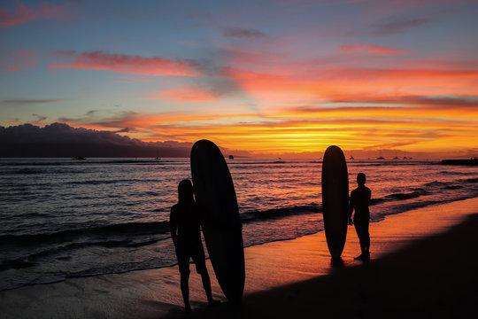 epic sunset surf on Lahaina break wall
