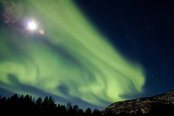 Photo sur Toile Aurore polaire Northern Lights with full moon in Norway - Landscape Photography