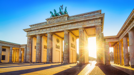 the famous brandenburger tor in berlin, germany Fototapete