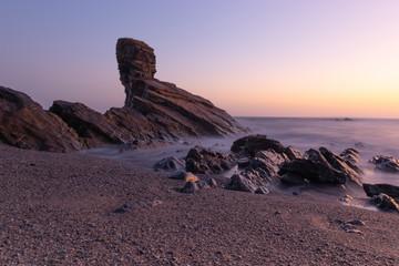 Amanecer desde la playa de Portizuelo en Asturias.