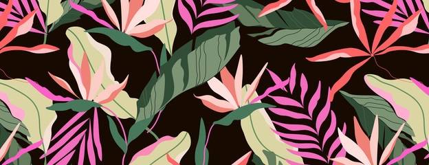 Dark tropical pattern. Brown background seamless design. Hawaiian palm leaves, banana leaves and strelitzia flowers. Beautiful summer paradise concept. Banner, leaflet design element. Wall mural