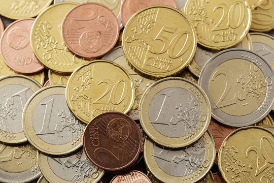Moedas de euro espalhadas