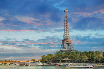 Fotobehang Parijs PARIS, FRANCE - September 13, 2016: Eiffel Tower with boats on Seine river in Paris