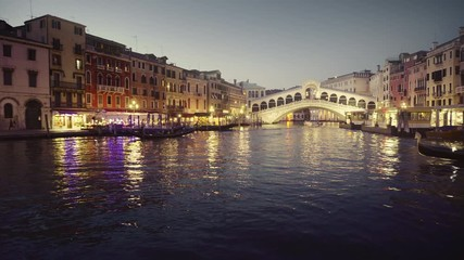 Fotomurales - Grand Canal in sunset time from Rialto Bridge, Venice, Italy