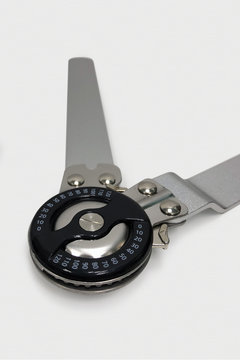 Adjustable angle chuck: extension angle 0-120°. Orthopedic knee brace stabilizer. Aluminum alloy bracket. Metal Hinge knee brace adjusting the angle of bend of the knee joint. Angle adjustment lock.