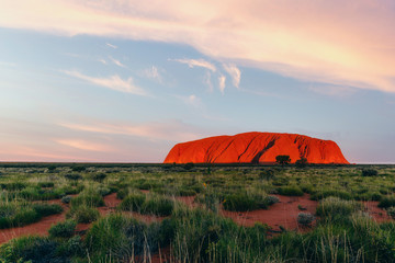 Papiers peints Blanc Uluru rock at sunset, Red Center Outback, Northern Territory, Australia. Approved for commercial use