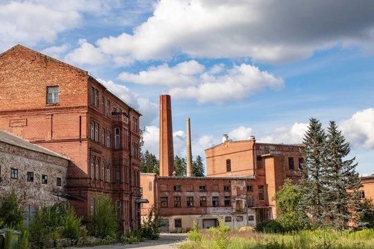 Die alte Papierfabrik von Ligatne