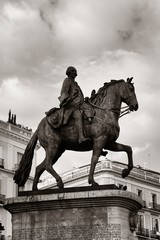 Wall Mural - Madrid Puerta del Sol King Carlos III statue