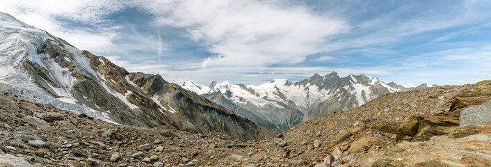 Wall Mural - Panoramic view on Fee glacier located above the Saas-Fee village in Switzerland