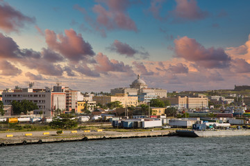 Fototapete - Old and new buildings in San Juan, Puerto Rico