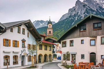 Fototapete - Street in Mittenwald, Germany