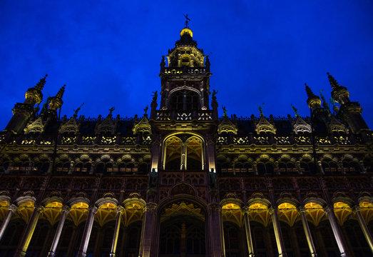 La grand place Bruxelles prise de nuit