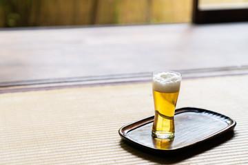 縁側のビール