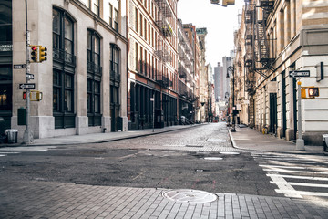 Empty street at sunset time in SoHo district in Manhattan, New York Fototapete