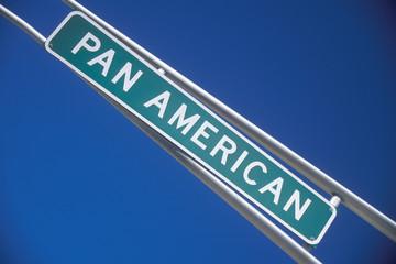 Fototapete - A sign that reads ÒPan AmericanÓ
