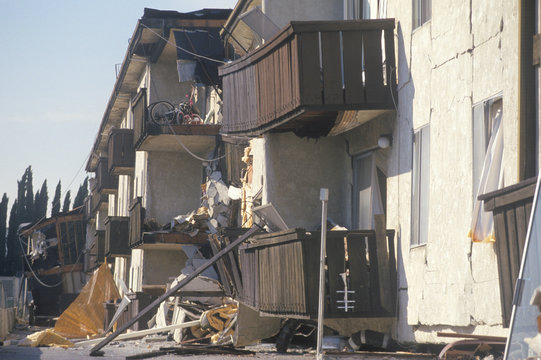 A destroyed apartment building near the epicenter of the Northridge earthquake in 1994