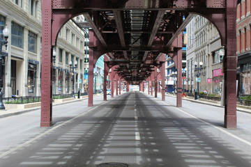 Photo sur Toile Chicago Nearly deserted Wabash Avenue in downtown Chicago under the el train tracks during the COVID-19 shelter-in-place order