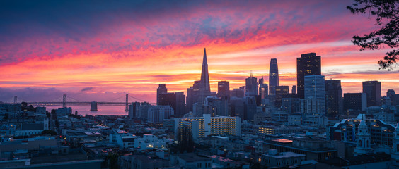 Fotomurales - San Francisco Skyline at Sunrise