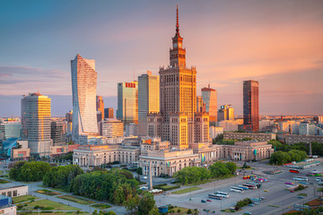 Fototapete - Warsaw, Poland. Aerial cityscape image of capital city of Poland, Warsaw during sunrise.