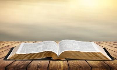 Fototapeta Open vintage christian bible on background obraz