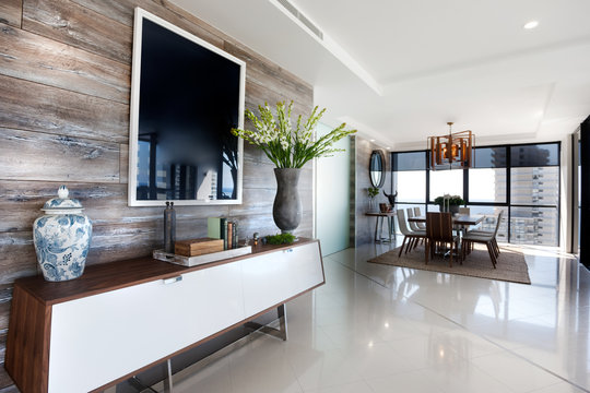 Wooden vinyl plank tiles in an apartment