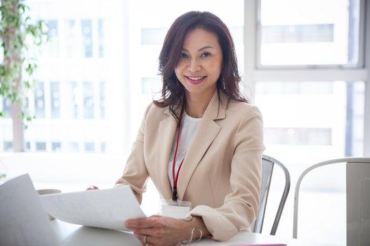 40代女性のビジネスポートレート