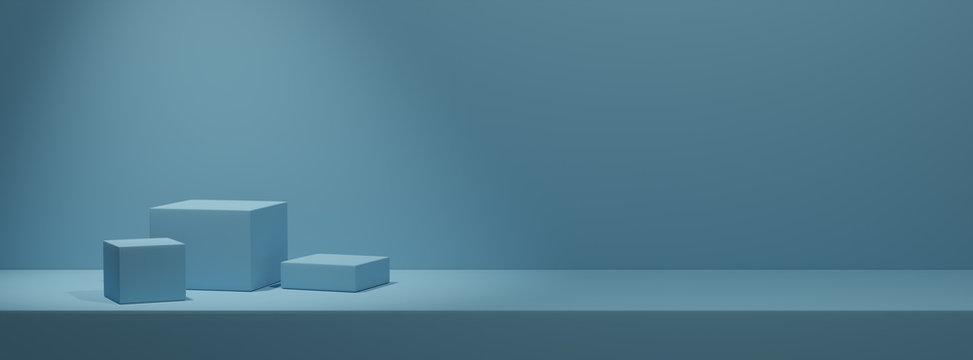 Leere Podeste zur Warenpräsentation auf einfarbigem blauen Hintergrund