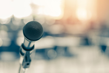 Microphone voice speaker in business seminar, speech presentation, town hall meeting, lecture hall or conference room in corporate or community event for host or townhall public hearing Fotomurales