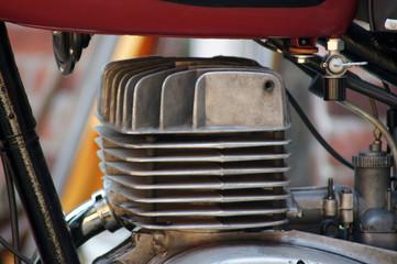 Motor eines DDR Motorrades MZ TS150 Fototapete