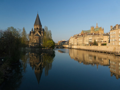 Large view on the Moselle, the temple and the cathedral in Metz