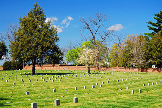 Graves mark the burial spots of thousands of Union and Confederate soldiers at Fredericksburg National Battlefield in Virginia