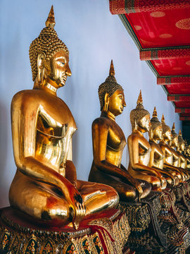 Bangkok Temple - by Vini Makoto