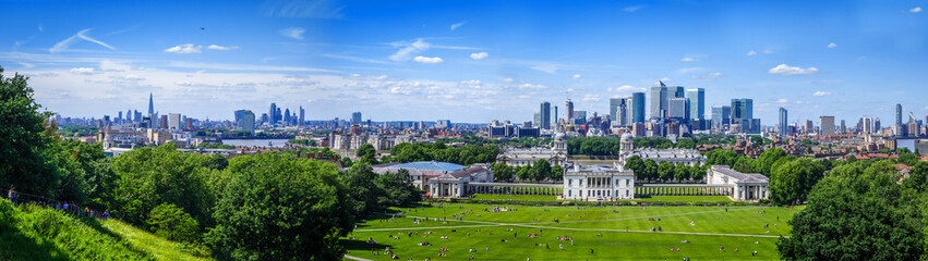 Canary Wharf panoramic view from Greenwich Park, London, United Kingdom Fototapete