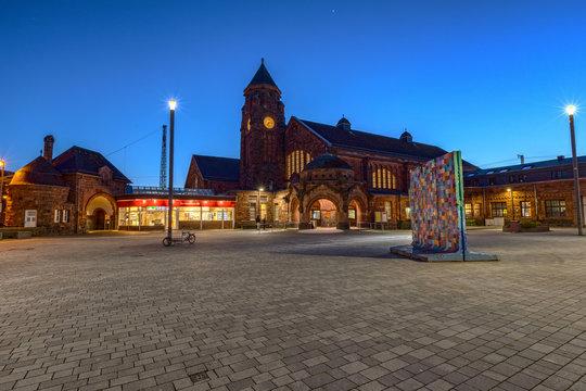 Bahnhof Gießen am Abend