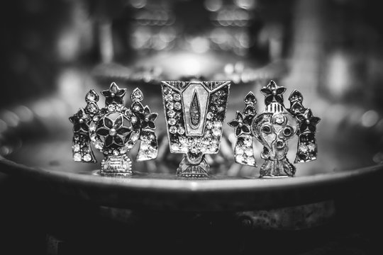 Lord Vishu Balaji Chakra Symbol - Shanku Chakra Namam Lord Vishnu Balaji Auspicious Holy Symbol for Divine Temple