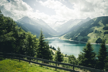 壁紙(ウォールミューラル) - Great panorama of the Durlassboden reservoir. Location municipality of Gerlos, High Tauern National Park.