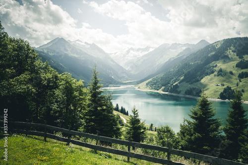 壁紙(ウォールミューラル) Great panorama of the Durlassboden reservoir. Location municipality of Gerlos, High Tauern National Park.