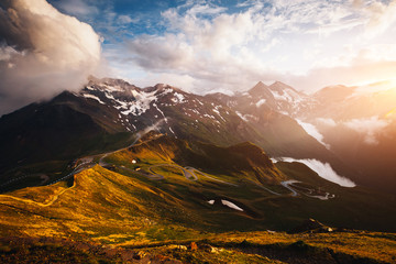 壁紙(ウォールミューラル) - Dramatic view of high ridge. Location Grossglockner high alpine road, Austria, Europe.