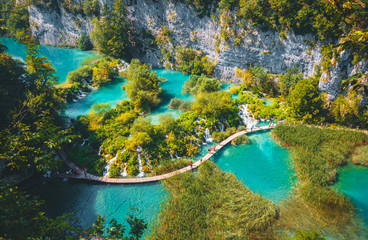 壁紙(ウォールミューラル) - Peaceful view on paradise waterfalls of Plitvice Lakes National Park. Croatian famous resort.