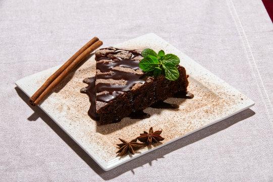 piernik z czekoladą i cynamonem