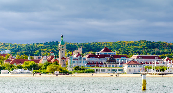 Panoramic view of Sopot with a view of the lighthouse.