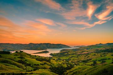 Schilderachtig uitzicht op landschap tegen lucht tijdens zonsondergang