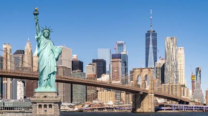 Wall Mural - Brooklyn bridge statue of liberty
