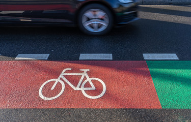 Fotomurales - High Angle View Of Bicycle Sign On Road