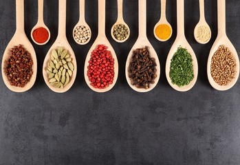Fototapete - Aromatic spices.