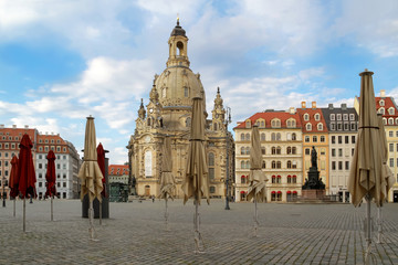 Dresden Neumarkt mit Frauenkirche Coronapandemie Ausgangssperre