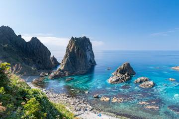積丹岬から望む青い海 / 北海道積丹町の風景