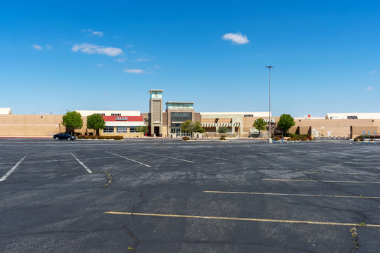 Victorville, CA / USA – April 13, 2020: Empty parking lot at The Mall of Victor Valley located in Victorville, CA, during the temporarily closure due to the COVID-19 crisis.